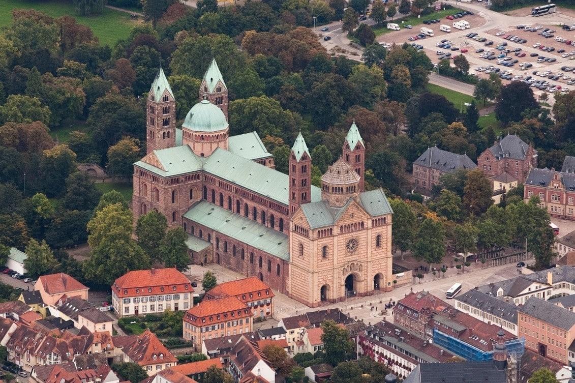 世界遺産でもあるロマネスク様式のシュパイアー大聖堂